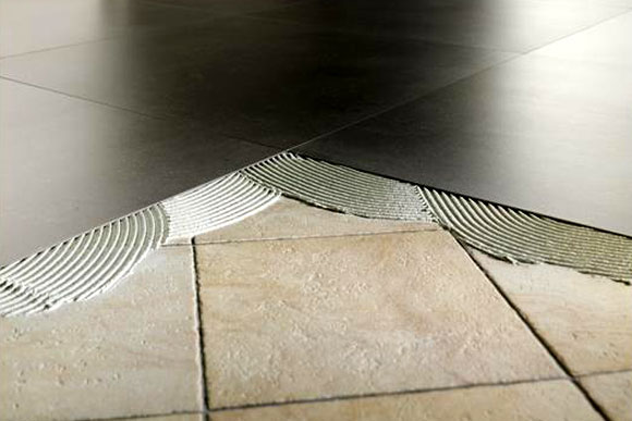 Pavimenti sovrapponibili su pavimenti esistenti guida - Posare piastrelle su piastrelle ...