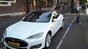Punto di ricarica auto elettriche ad Amsterdam©