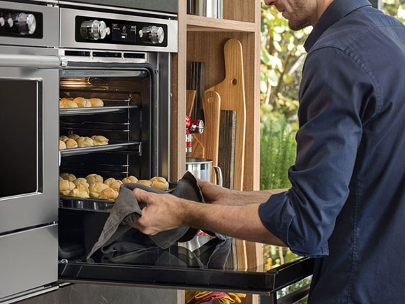 Forno pirolitico Twelix (photo credit www.kitchenaid.it)