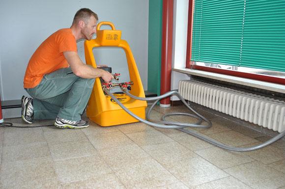 Lavaggio impianto di riscaldamento (photo credit www.pizzolatoassistenzatecnica.com)