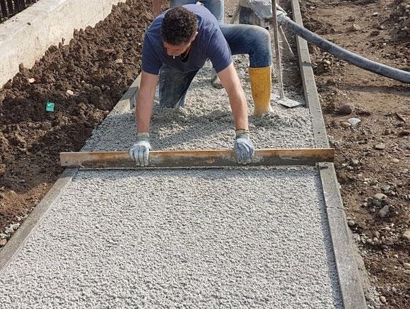 Calcestruzzo drenante per rispettare indice di permeabilità (photo credit www.mcsedilizia.it)