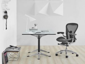 Sedia con supporto lombare Aeron (photo credit www.hermanmiller.com)