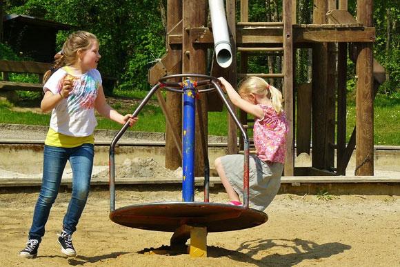 Parco giochi (foto: cocoparisienne / Pixabay)